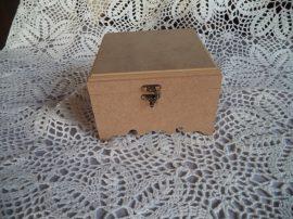 Cadence MDF KT 87  4 rekeszes kis doboz 14x14x8cm